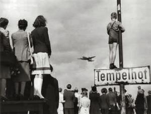 Germans-airlift-1948.jpg