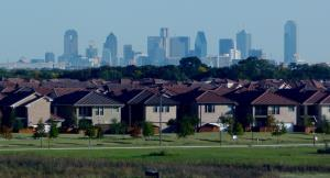 Dallas_skyline_and_suburbs.jpg