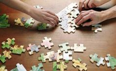 people-doing-a-puzzle-008.jpg
